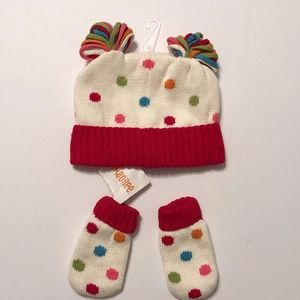 NWT GYMBOREE HAT AND MITTONS  SIZE 12-24 MONTHS